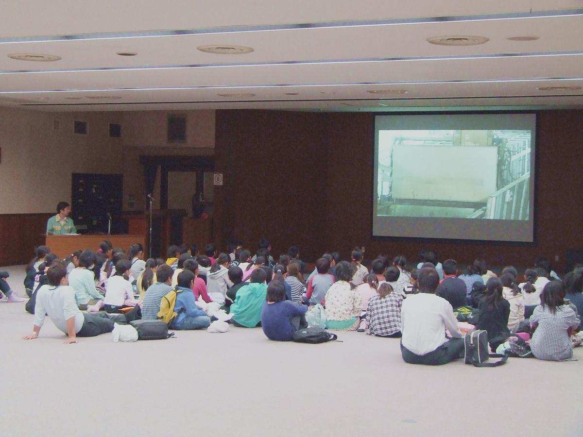 近隣小学校の工場見学会開催