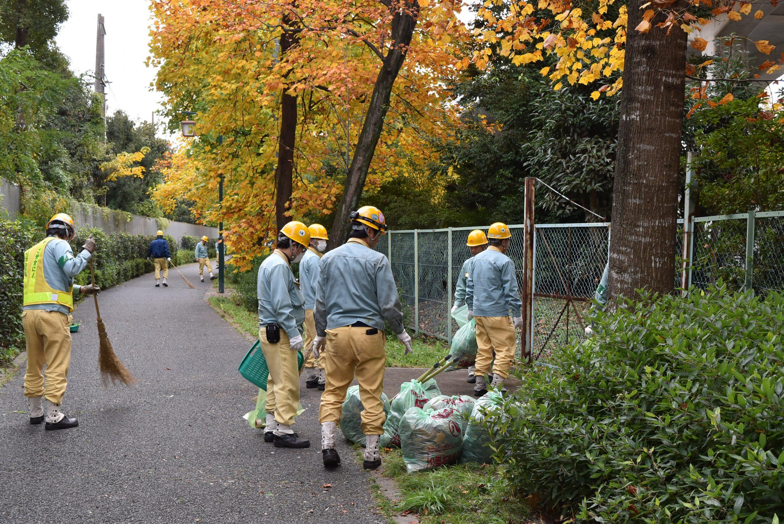 周辺地域の清掃活動実施